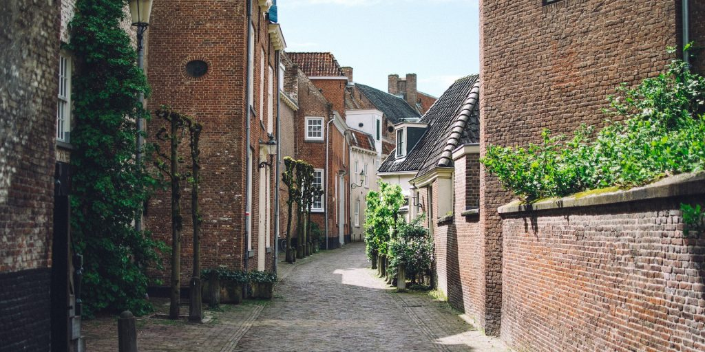 find properties not on Rightmove by walking down your desired streets
